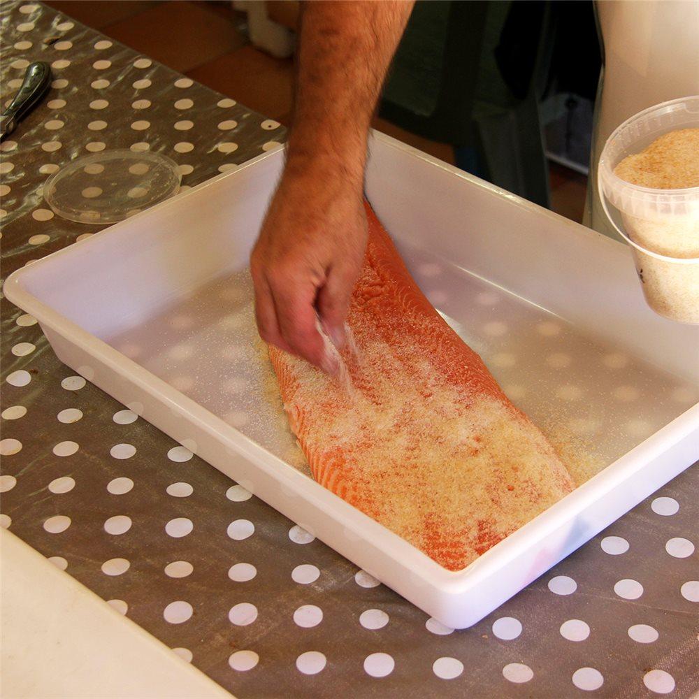 comment-preparer-vos-saumons-fumes-maison